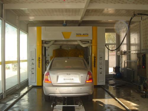 CE ISO9001 swing arm Automatic Car Wash Machine streamline cleaning principle
