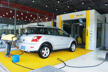 Chiny Yellow Tunnel Car Wash System Brushed With Pneumatic Control System dostawca